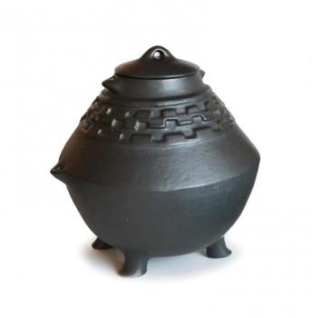 Important ceramic pot
