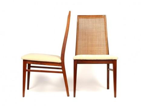 Suite de 8 chaises cannées