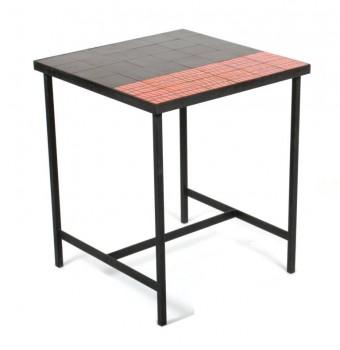 Table haute en céramique rouge et noir