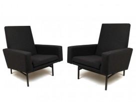 Paire de fauteuils modèle 642