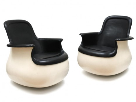 Paire de fauteuils Culbuto en cuir