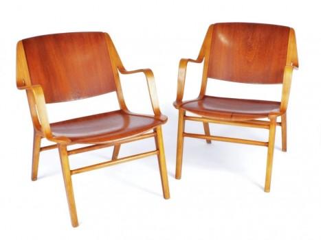 Paire de fauteuils modèle AX