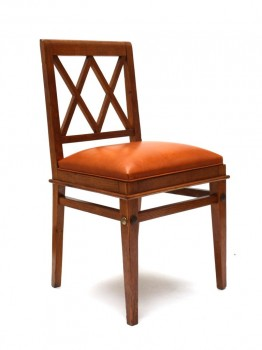 Chaise à dossier à croisillons