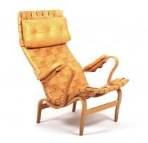 Rare fauteuil Pernilla en cuir