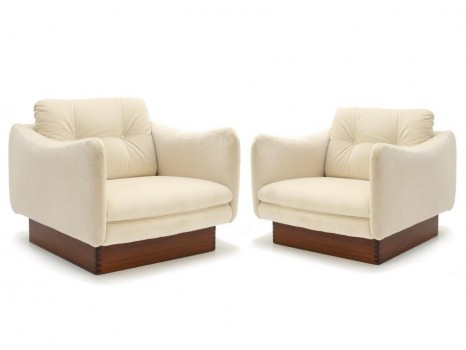 A pair of Teckel chairs