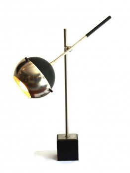 Height adjustable table lamp