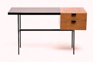 Bureau modèle CM141