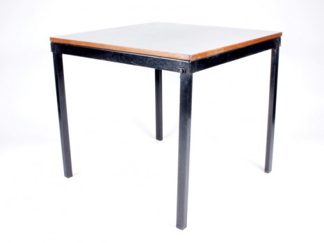 Bridge folding table