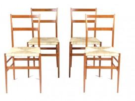 Suite de 4 chaises Superleggera