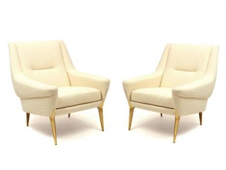Paire de fauteuils et ottoman