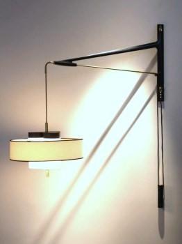 Counterweight wall light