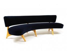 Canapé à assise et dossier suspendus